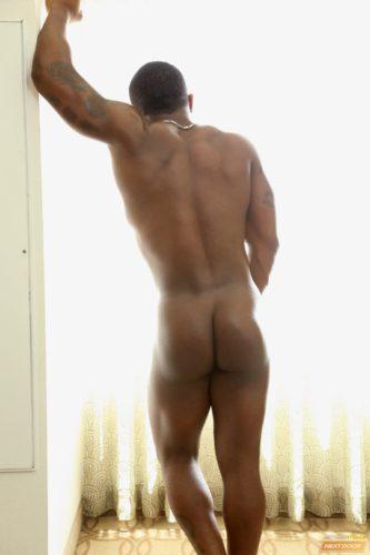 blackbodybuilder-muscleass-naked